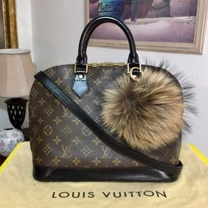 Louis Vuitton Alma Handbag PM 👜 VI0974